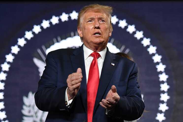 Trump retira oficialmente EUA da OMS