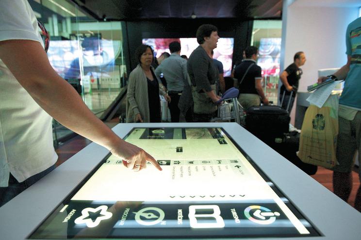 Mais de 120 autarcas vão ser arguidos no caso das lojas de turismo
