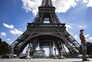 França alarga recolher obrigatório a 46 milhões de pessoas