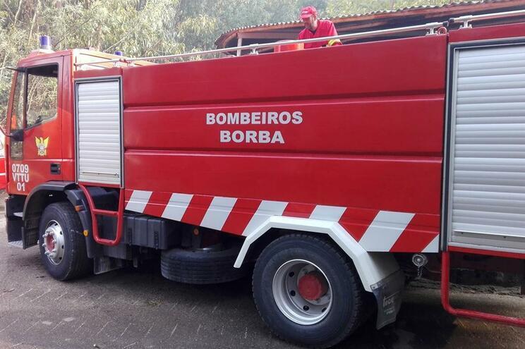 Identificados três suspeitos de envolvimento nas agressões a bombeiros