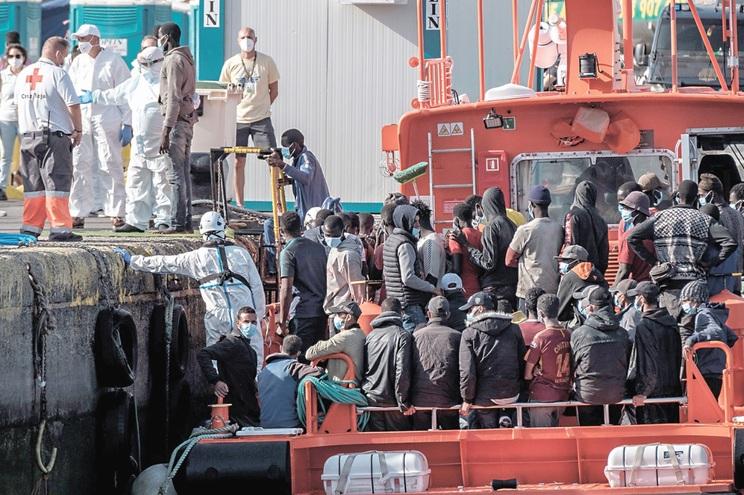 É de Marrocos e Senegal a maior parte dos migrantes ilegais que chegam às Ilhas Canárias