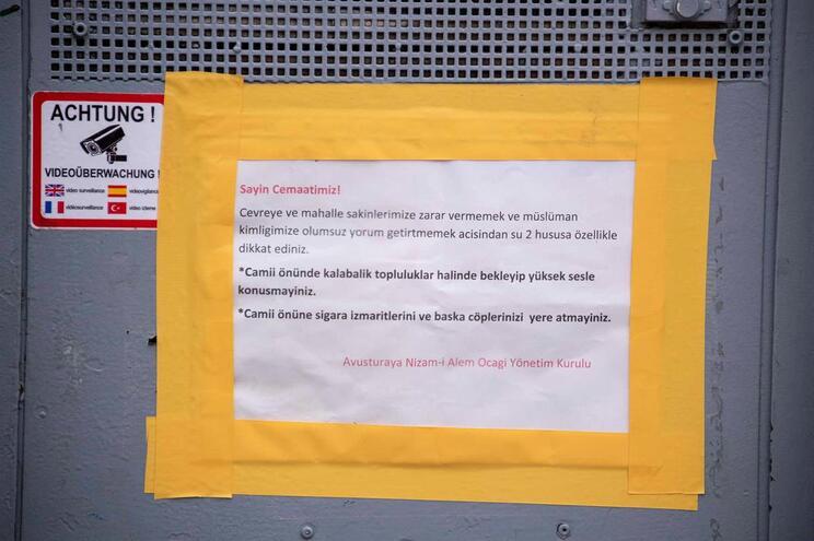 Mesquita encerrada em Viena