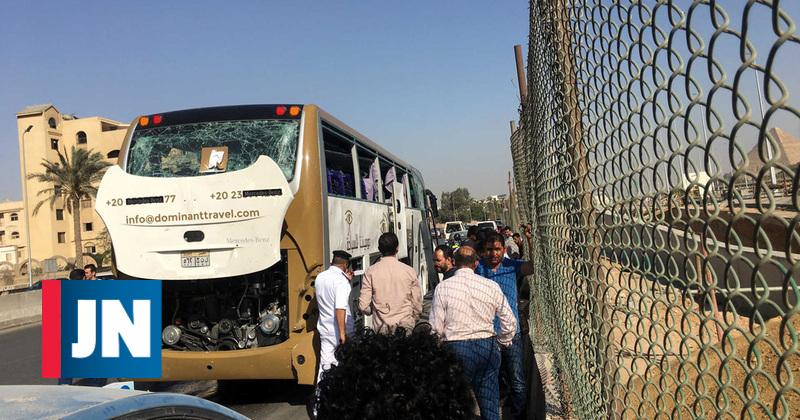 Turistas feridos em explosão que atingiu autocarro nas Pirâmides de Gizé