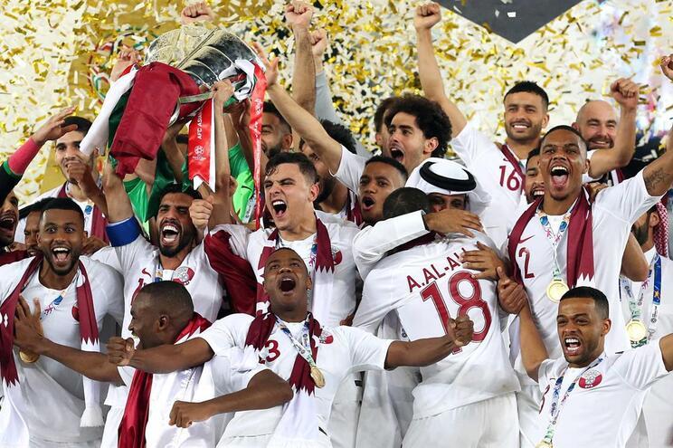 Qatar festeja o título de campeão da Ásia