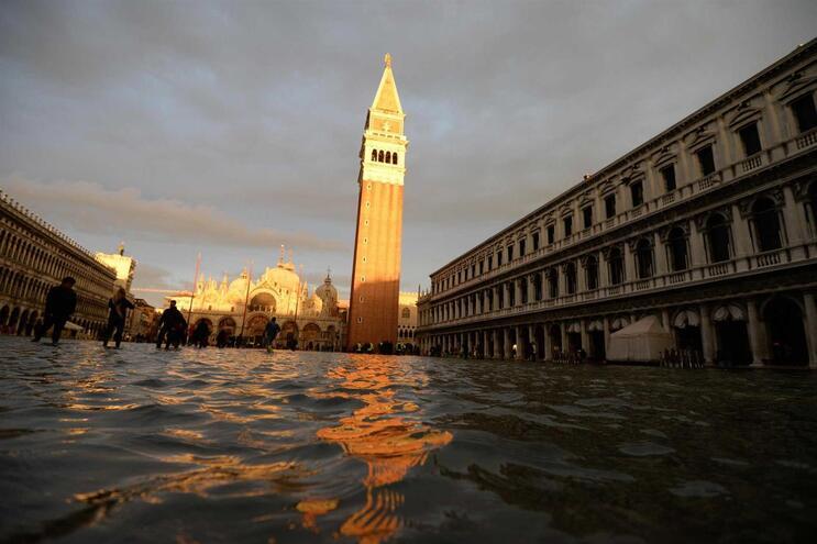 Veneza regista maré menor, Florença e Pisa sob alerta devido ao mau tempo