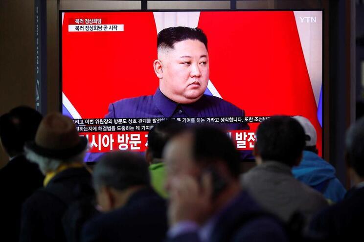 "Pyongyang adverte para ""crescente perigo de guerra"""