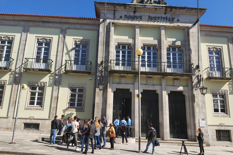 Arguidos pedem perdão à família de pescador morto à facada em Viana
