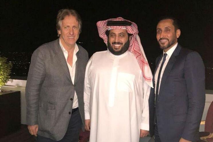 O clube saudita já oficializou a contratação de Jorge Jesus