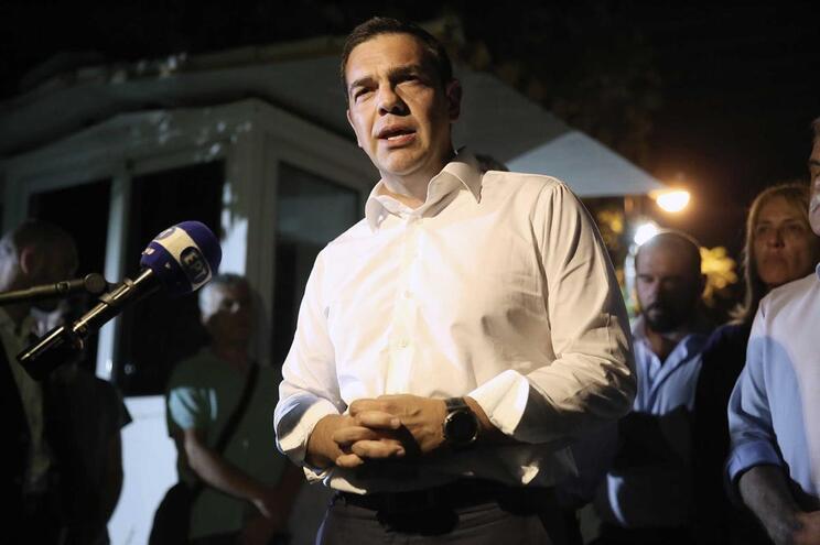 Tsipras assume responsabilidade política pela tragédia na Grécia