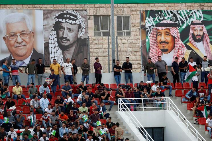 Palestinianos pedem reunião de Liga Árabe sobre EUA e colonatos