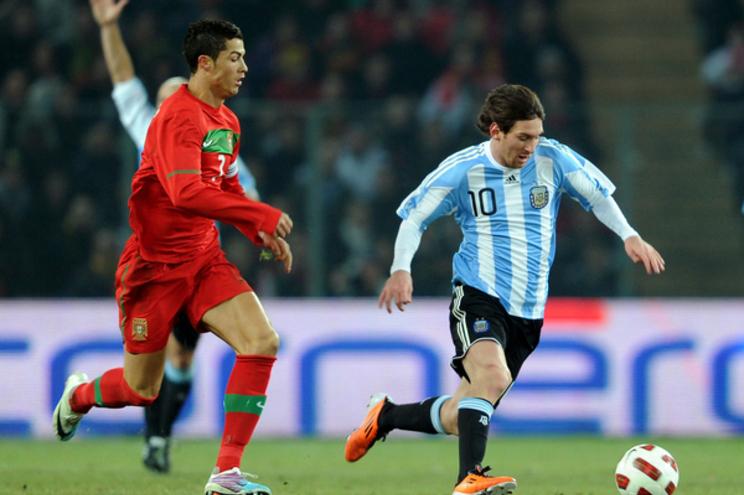 Neste particular, Messi supera Cristiano Ronaldo e é o jogador com mais ganhos anuais