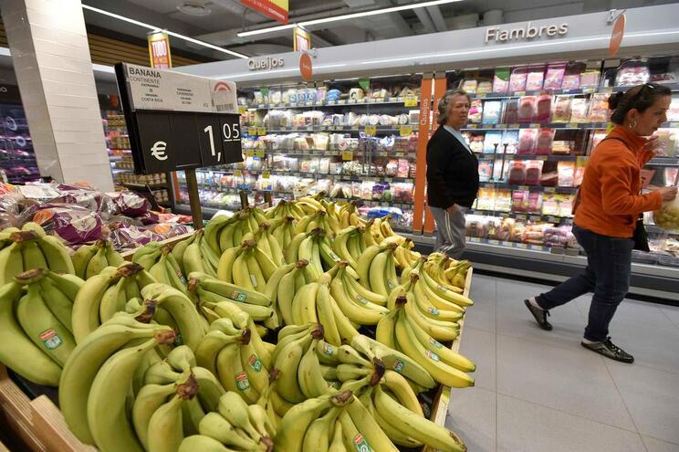 Parlamento aprova fim de sacos de plástico para fruta