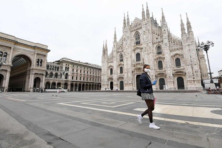 Número de mortes em Itália já ultrapassou o milhar