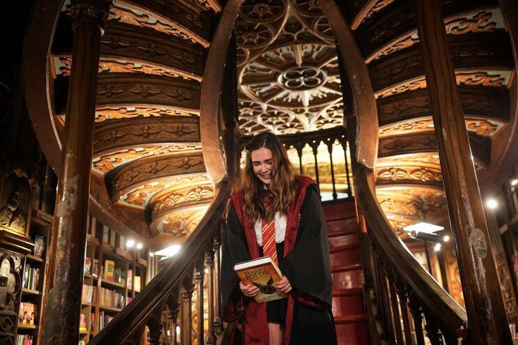 Autora diz que o espaço não serviu de inspiração para Hogwarts, a escola de magia da saga Harry Potter