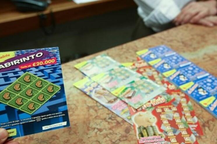 """Suspeito roubou """"um número significativo"""" de cartões"""
