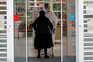 Madrid alerta que mais de 250 casos por 100 mil habitantes pode levar a descontrolo
