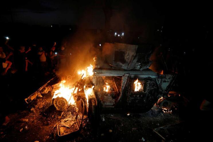 Três países árabes do Golfo aconselham cidadãos a abandonar o Iraque