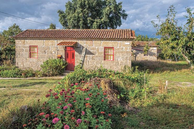 Casas dos pobres foram construídas com terrenos e materiais doados ao Padre Américo, fundador da Casa