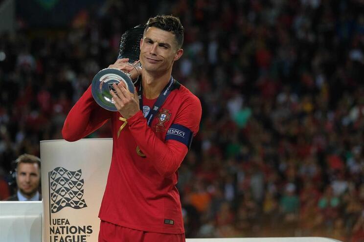 """Ronaldo lembra: """"O Cristiano não é eterno..."""""""