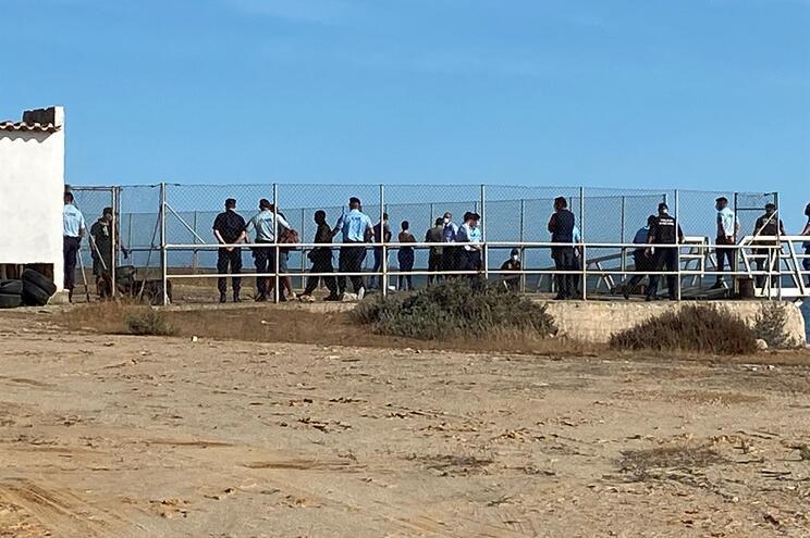 Migrantes chegaram a Portugal em setembro