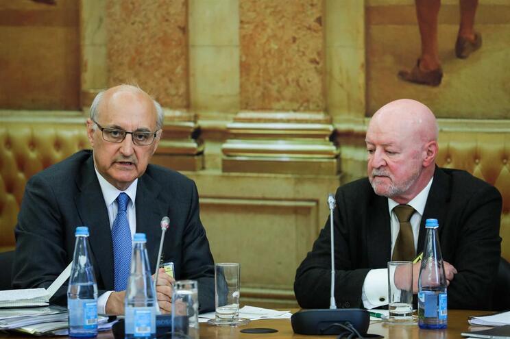 Os supervisores do Banco de Portugal, José Cunha Pereira (à esquerda) e Carlos Eduardo Santos ouvidos
