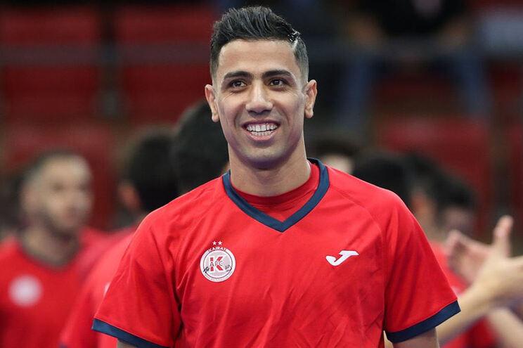 Hossein Tayebi é reforço do Benfica