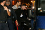 Fugitivos capturados levados para Custóias
