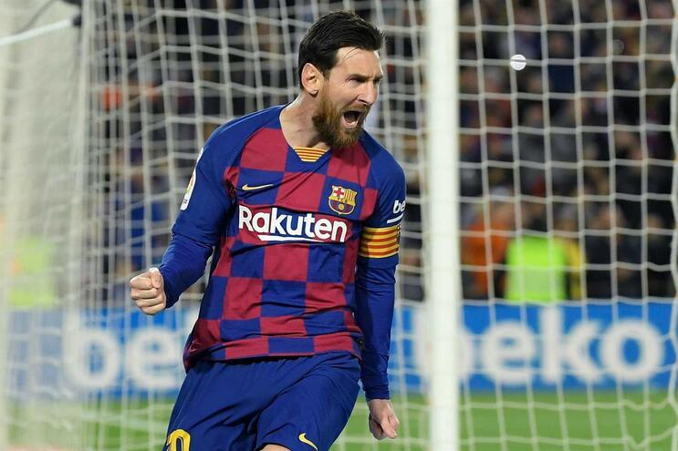Barcelona sofre mas vence Real Sociedad com golo de Messi