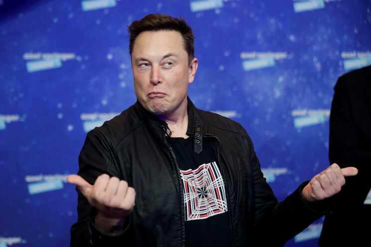 Elon Musk tentou vender Tesla à Apple