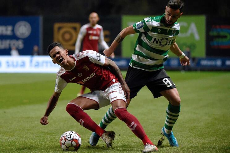 Bruno Fernandes oferece o golo do empate a Mathieu