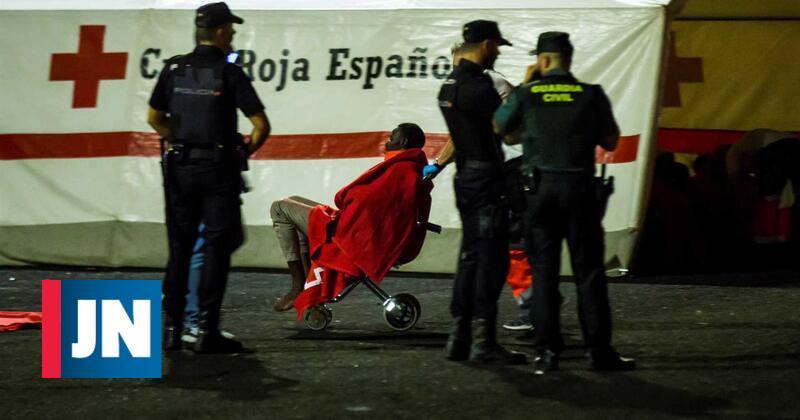 Duas embarcações com 85 migrantes a bordo resgatadas nas Canárias