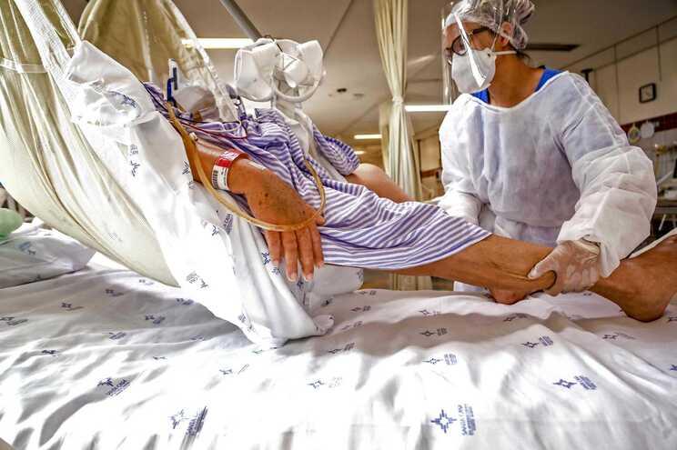 Brasil es uno de los países más afectados por la pandemia, junto con Estados Unidos e India.
