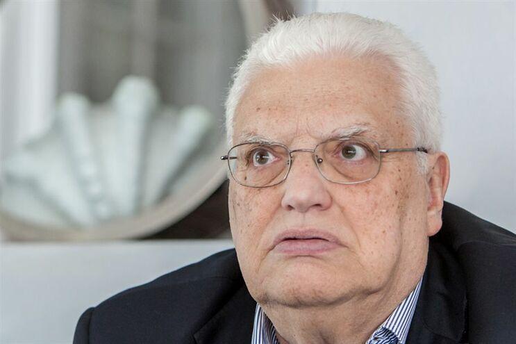 Aprovado voto de pesar a Freitas do Amaral com abstenção do PCP e do PEV