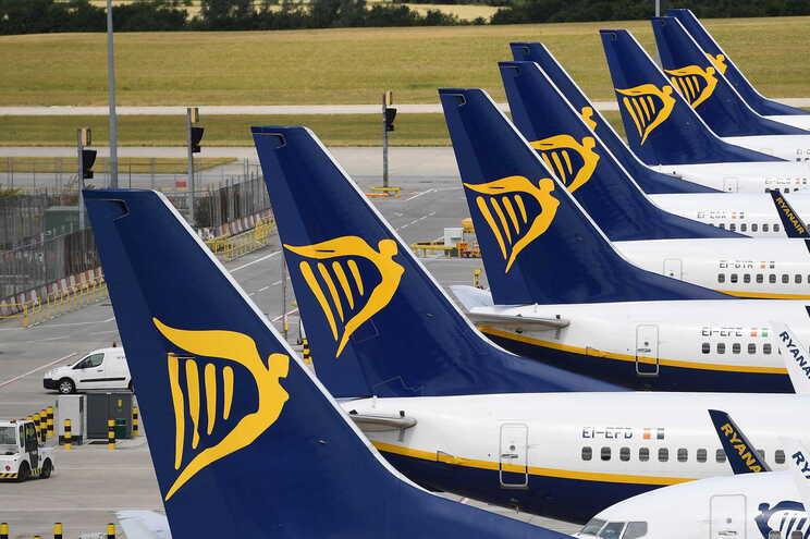 Ryanair desregulou escalas dos trabalhadores que rejeitaram cortes em Portugal