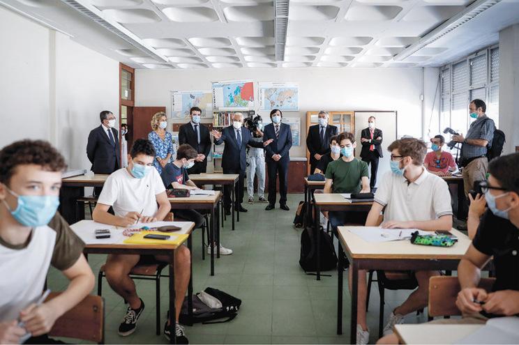 Um quinto das escolas (120 estabelecimentos) teve média negativa nos exames do Secundário