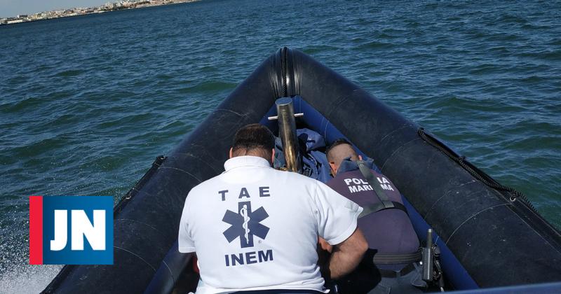 Polícia Marítima acorre a banhistas em apuros na Arrábida