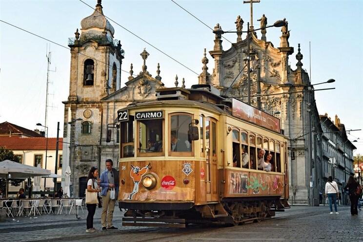 Passear pelo Porto a bordo de um elétrico com 78 anos