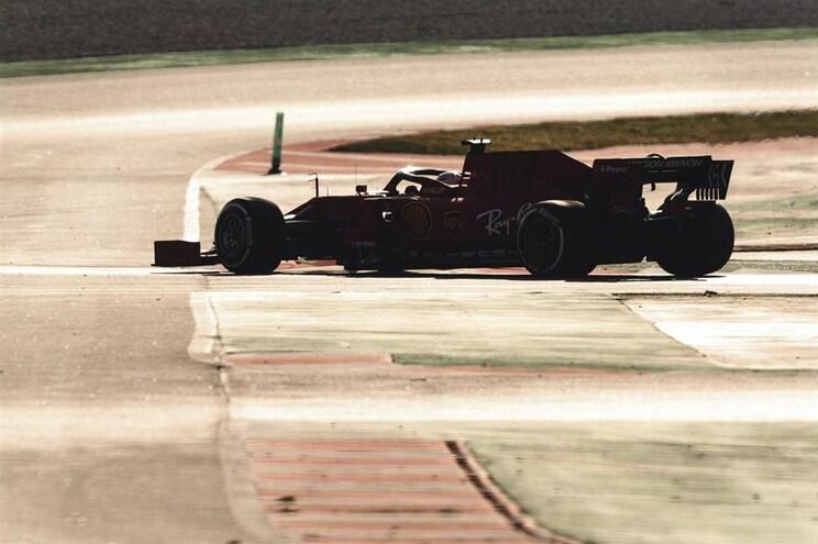 F1/Testes de Barcelona: Leclerc volta a colocar Ferrari na frente