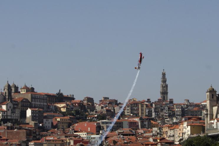 Primeira edição do Red Bull Air Race no Porto foi em 2007