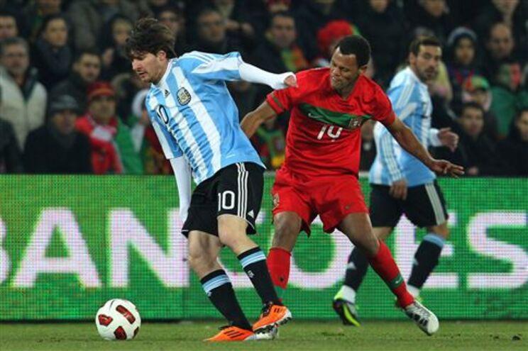 Messi começou a jogar de início
