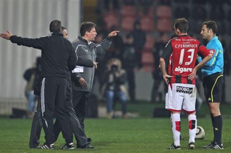 Momento de tensão com a expulsão do treinador Paulo Sérgio