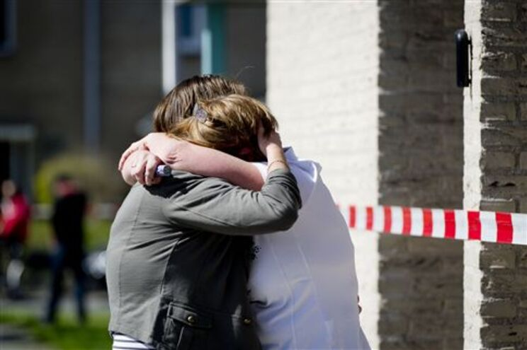 Dor toma conta dos familiares das vítimas do tiroteio