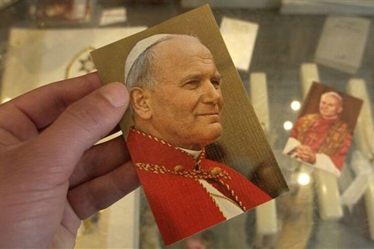 Artigos com imagem de João Paulo II