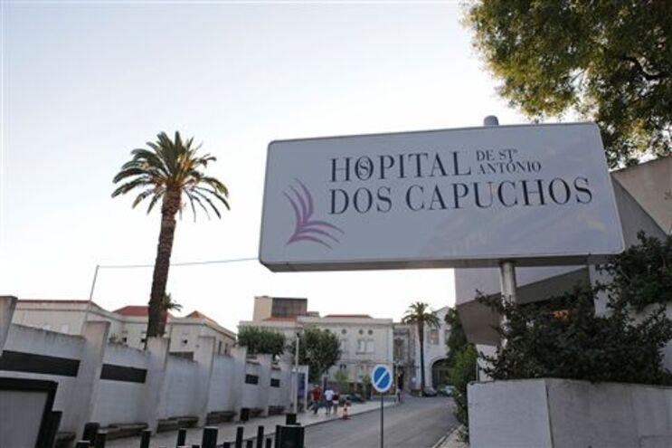 hospital dos capuchos lisboa mapa Centenas de pessoas na rua para marcar consulta no Hospital dos  hospital dos capuchos lisboa mapa
