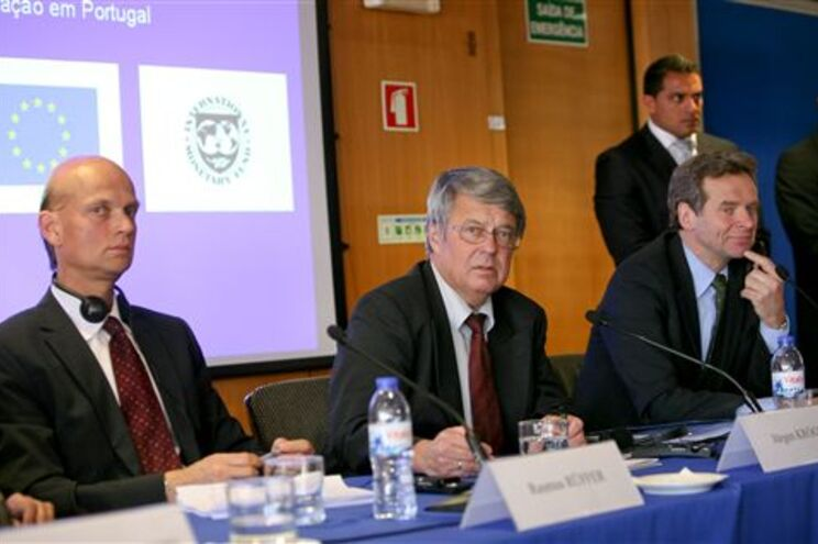 "Elementos da ""toika"" - BCE, CE e FMI"