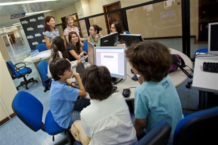 Crianças são jornalistas do JN por dois dias