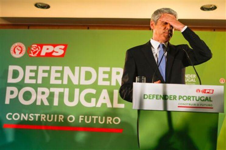 """Sócrates """"varrido"""" na viragem de Portugal à direita, segundo a Imprensa europeia"""