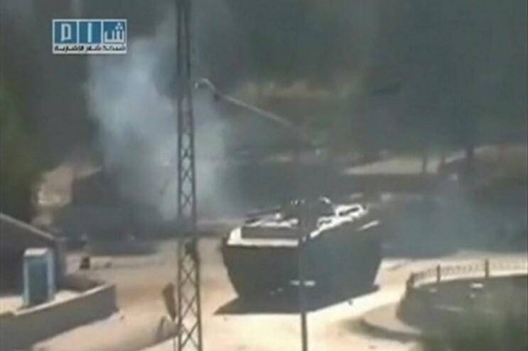 Tanque do Exército sírio na cidade de Hama