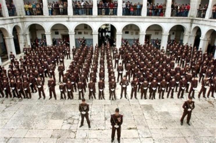 "Exército defende que projecto é ""auto-sustentável"" e geraria 29 mil euros de lucro anualmente"
