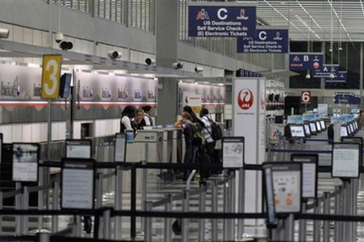 Cinco aeroportos de Nova Iorque encerrarão até às 12 horas locais (17 horas em Portugal Continental)